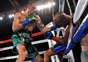 La leyenda de Hopkins acabó mal: noqueado y fuera del ring