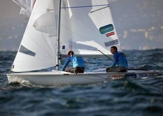 Xammar y Nicolás Rodríguez lideran la Christmas Race en 470