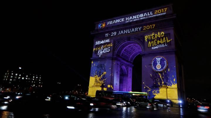 El Arco del Triunfo, en París, homenajea al Mundial de Balonmano.