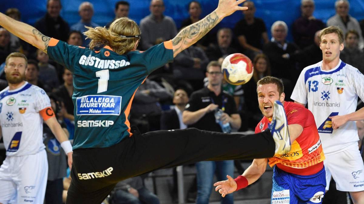 Debut y victoria de los hispanos ante Islandia