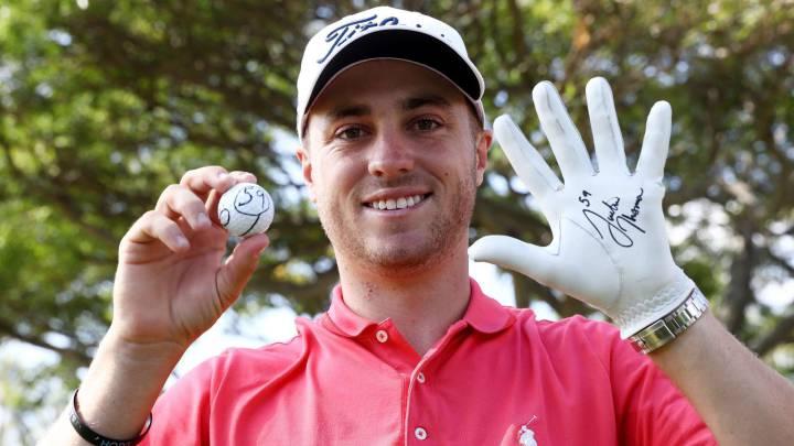 Justin Thomas celebra su registro de 59 durante la primera jornada del Sony Open que se celebra en Hawai.