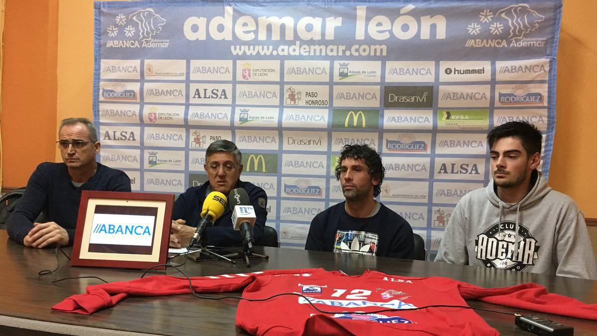 Juanín García cumplirá a los cuarenta en el Ademar León