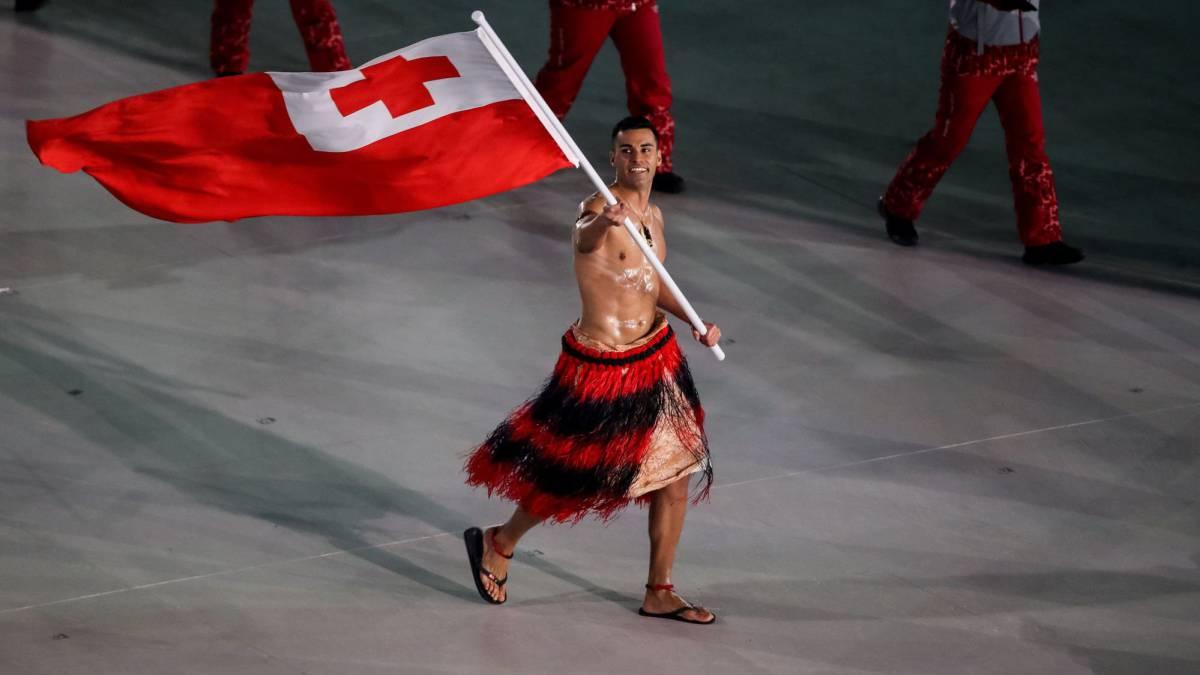 A -5° C, el abanderado de Tonga volvió a mostrar su torso