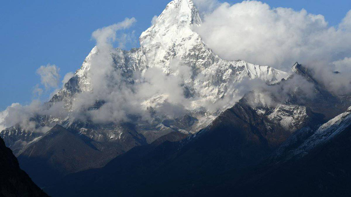 Mueren al menos nueve alpinistas