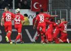 Con un Chicharito ausente el Leverkusen rescató un empate