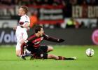 Chicharito se va en blanco contra el Bayern; Layún es Özil