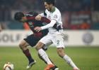 Chicharito Hernández salió lesionado en la DFB Pokal