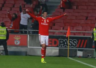 Raúl Jiménez manda al Benfica a la final de Copa
