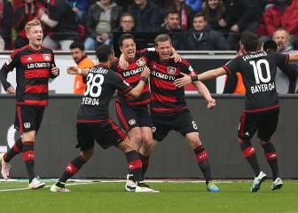 Chicharito continurá con el Bayer Leverkusen