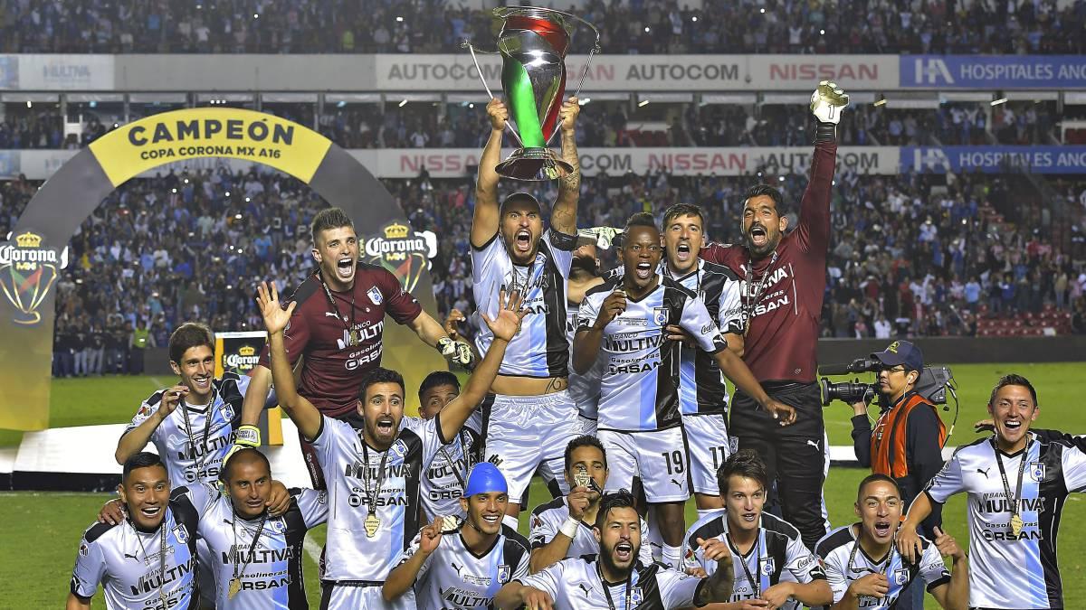 Peña Nieto felicita al club Querétaro por ganar la Copa MX