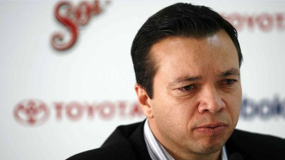 Mariano Varela se va de Chivas