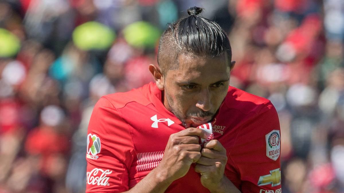 Tigres gana y Chivas empata en semifinales de la Liga MX