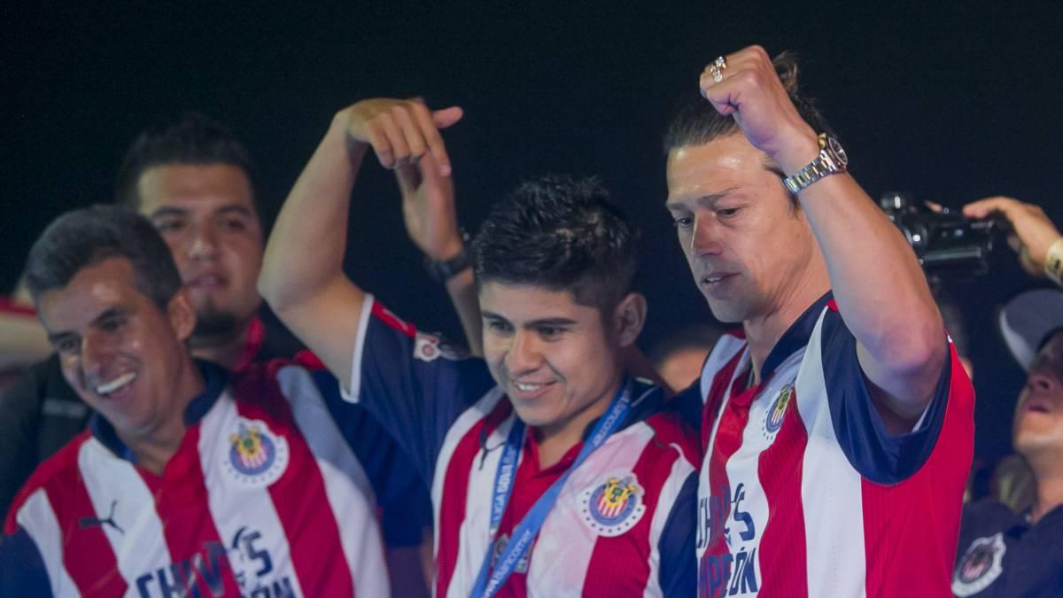 Vergara llamó a Carlos Vela para que fiche por Chivas
