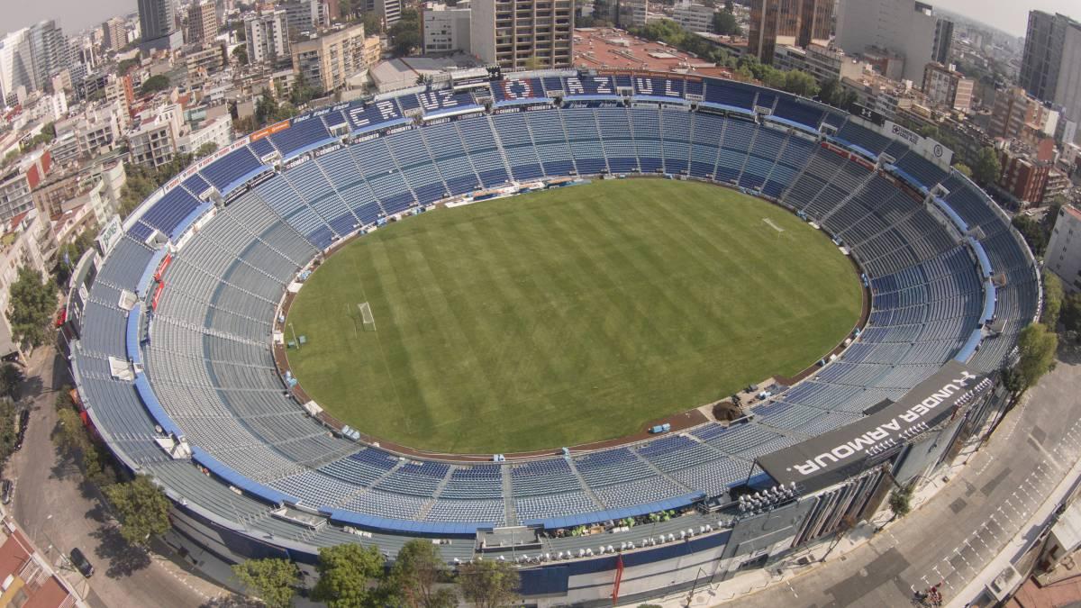 Felipe Mora es presentado en Cruz Azul y jugará con la '9'