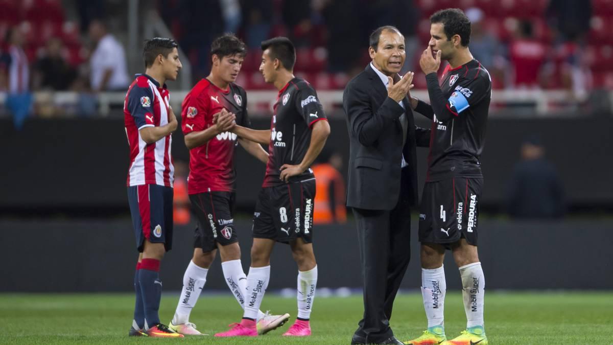 Juez 'descongela' cuentas del futbolista Rafa Márquez