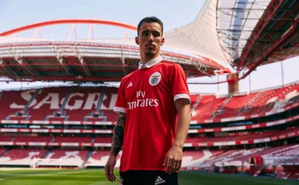Las 15 playeras más bonitas para la temporada 2017-18 según Telegraph - AS  México f8d6a9c590e29