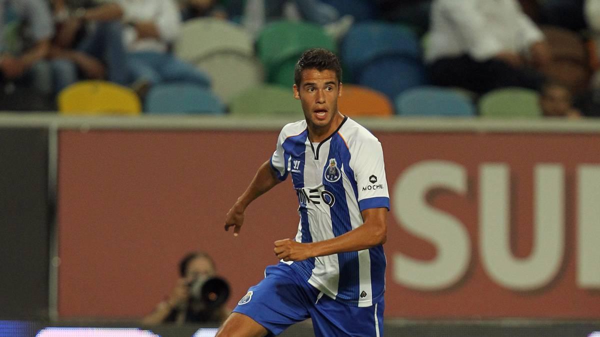 Corona anota en la goleada del Porto