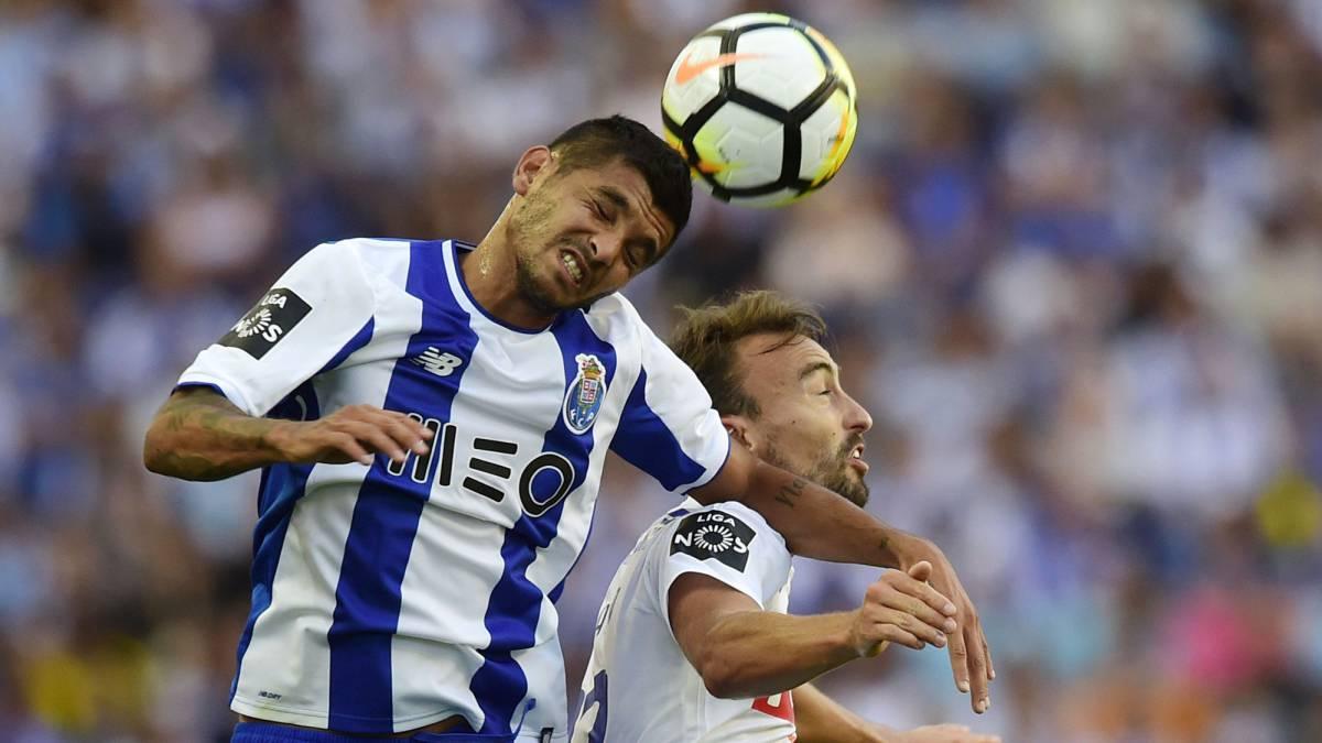 Miguel Layún descartado para el inicio de la Liga de Portugal