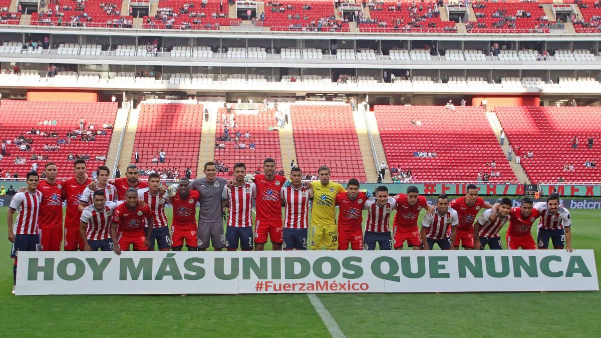Reanuda la Liga MX tras el sismo con pobres entradas - AS México