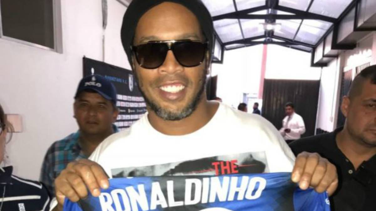 Ronaldinho marcó un increíble golazo en México
