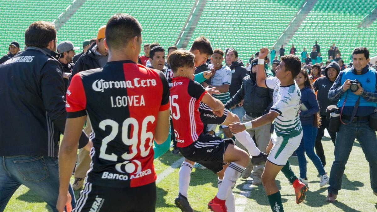 Final Sub-20 entre Santos y Atlas termina en pleito