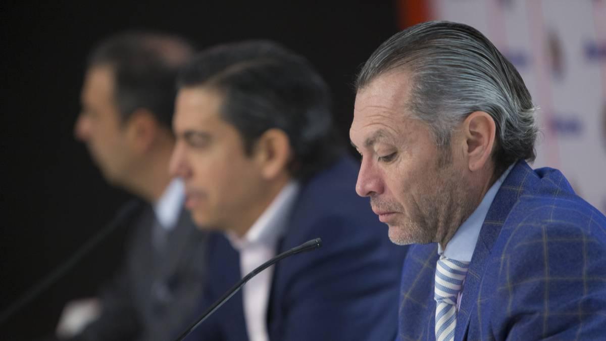 Chivas relega a Alanís a segunda por falta de acuerdo