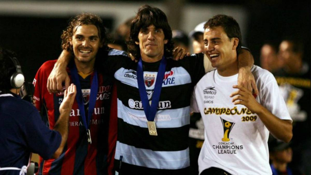 e536e14e9 Federico Vilar tras ganar la Liga de Campeones de Concacaf con Atlante.