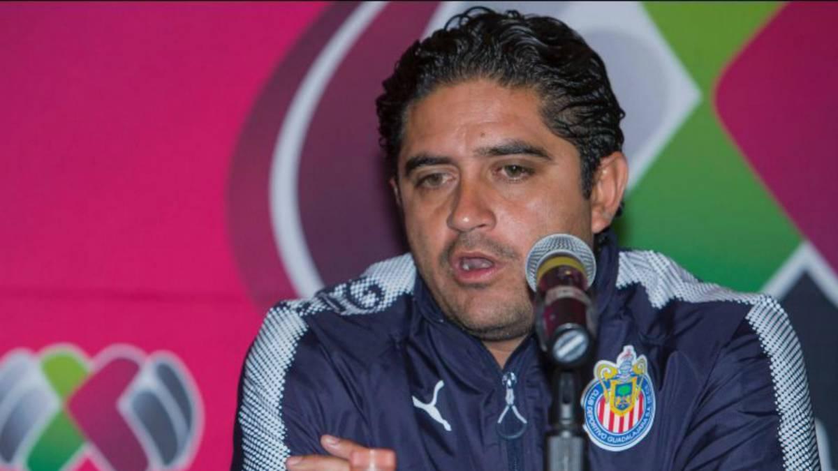 """Técnico de Chivas femenil  """"No solo con la playera vamos a ganar ... 9ea2a091f50ec"""