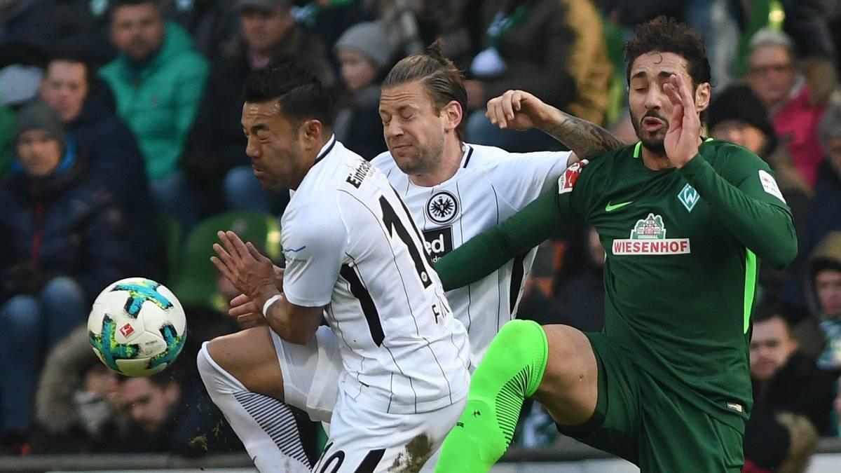 Con Fabián de cambio, Eintracht cae ante Werder Bremen
