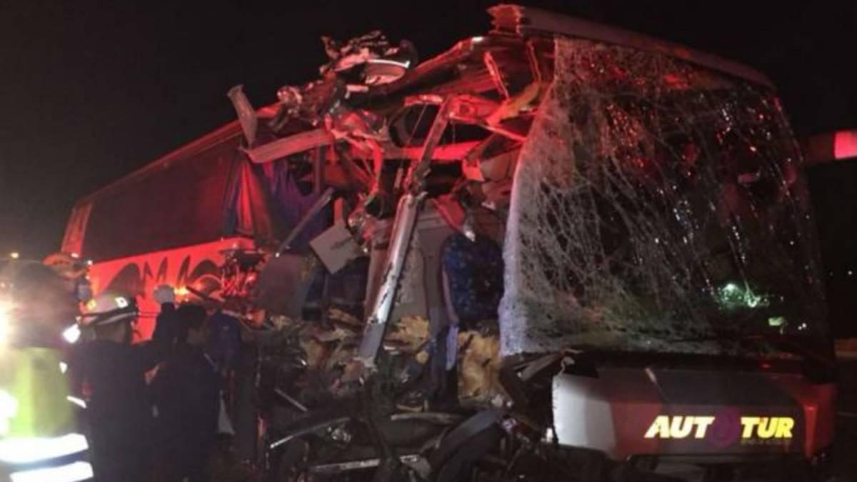 Se accidenta camión de la Segunda División de Veracruz