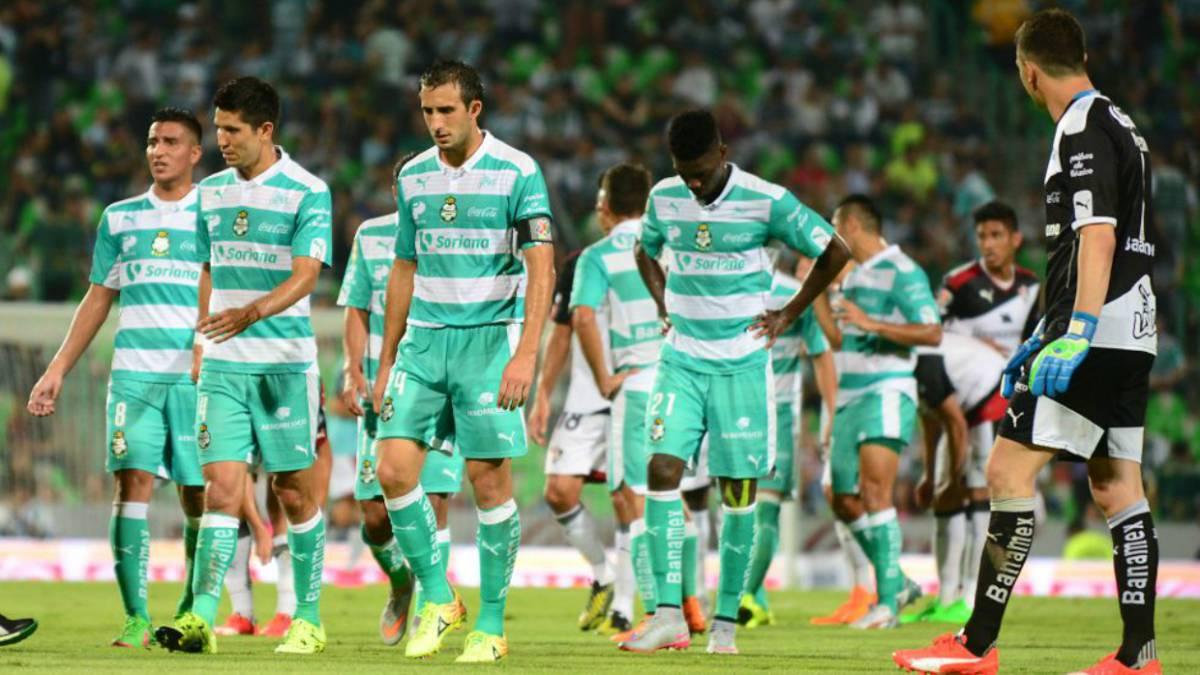 Santos solo tiene un triunfo de visita en finales de Liga MX - AS México 102a45373cd17