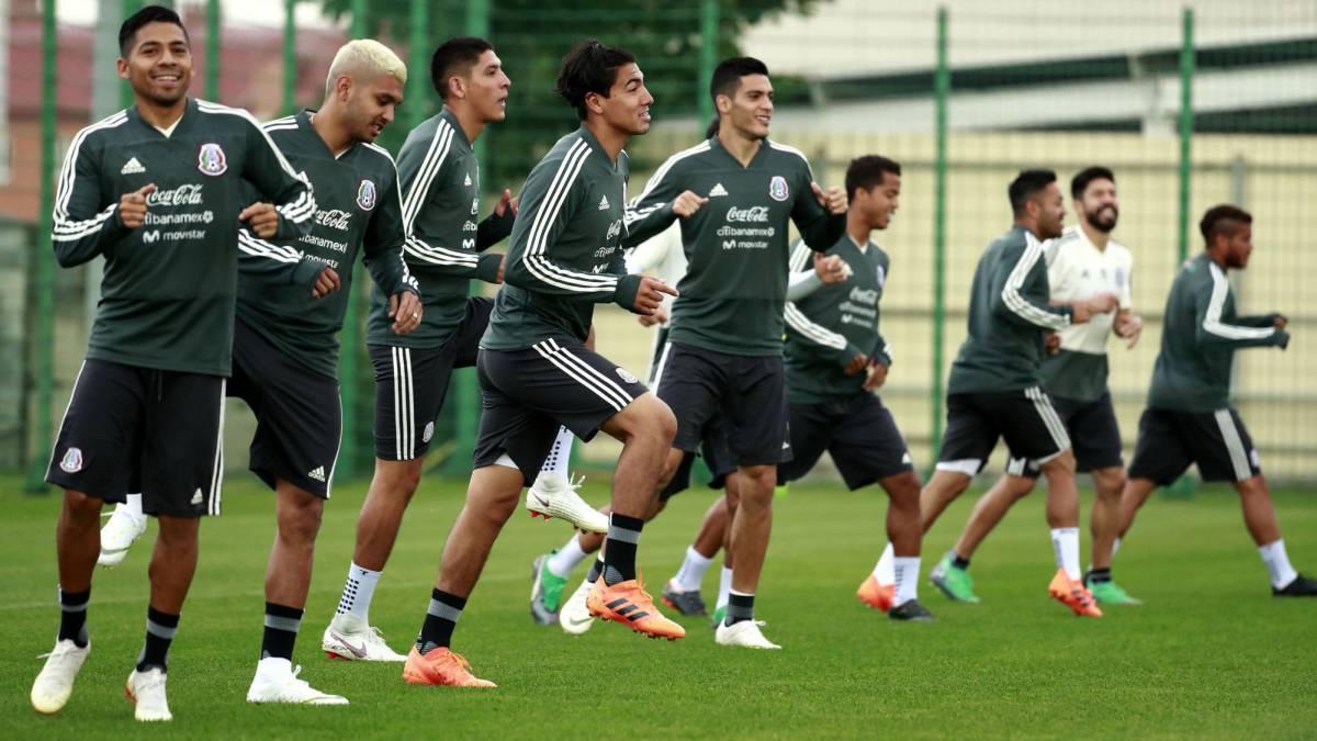 97281ad132639 La Selección Mexicana ya está de regreso en Moscú - AS México