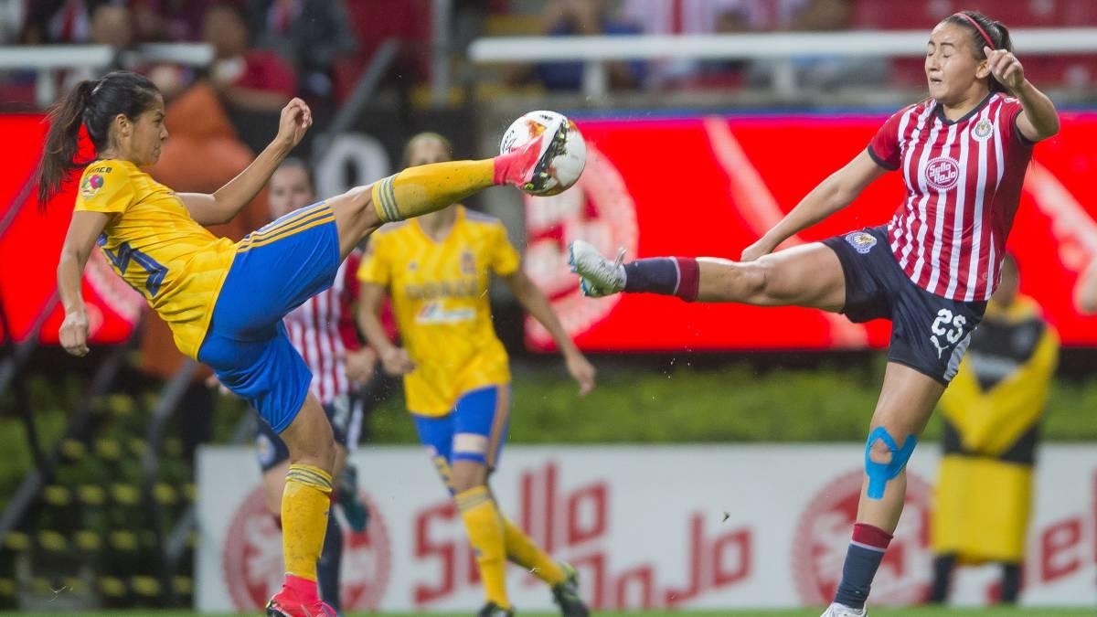 Tigres Femenil venció a Chivas en duelo que dejó cuatro expulsadas