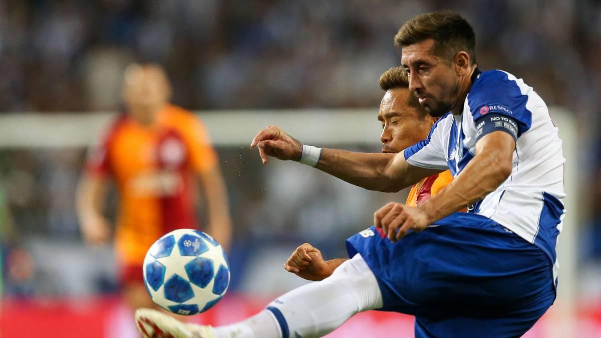 Futuro de Héctor Herrera no será en Porto