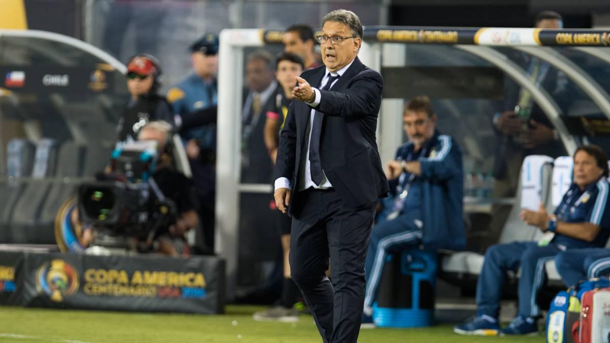 Barros Schelotto acerca al Tata Martino con la Selección Mexicana
