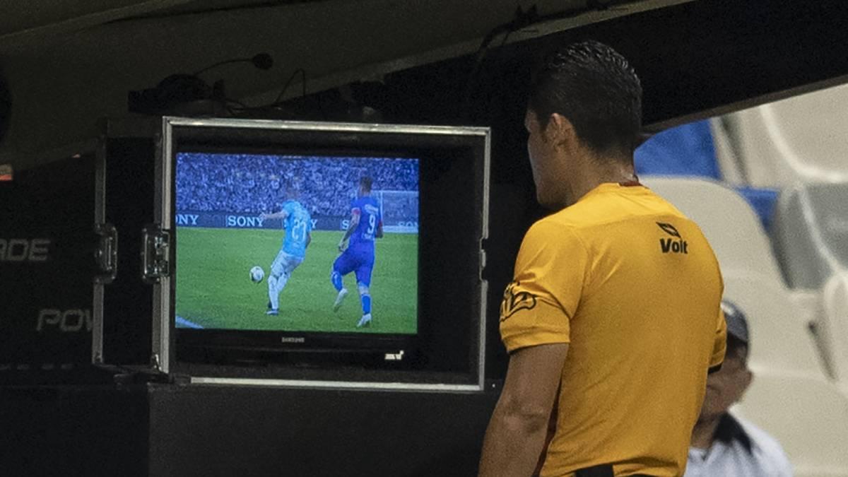 Cruz Azul vence a Querétaro y tiene pie y medio en semifinales