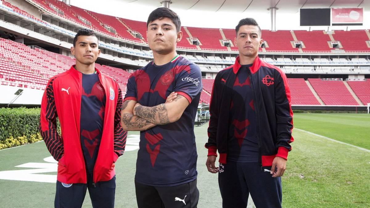 Las Chivas presentan uniforme alternativo