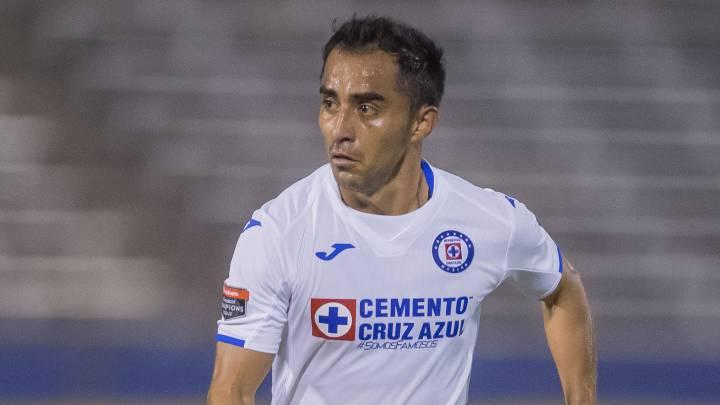 Revendedor se llena de deudas y boletos por parón de Liga MX