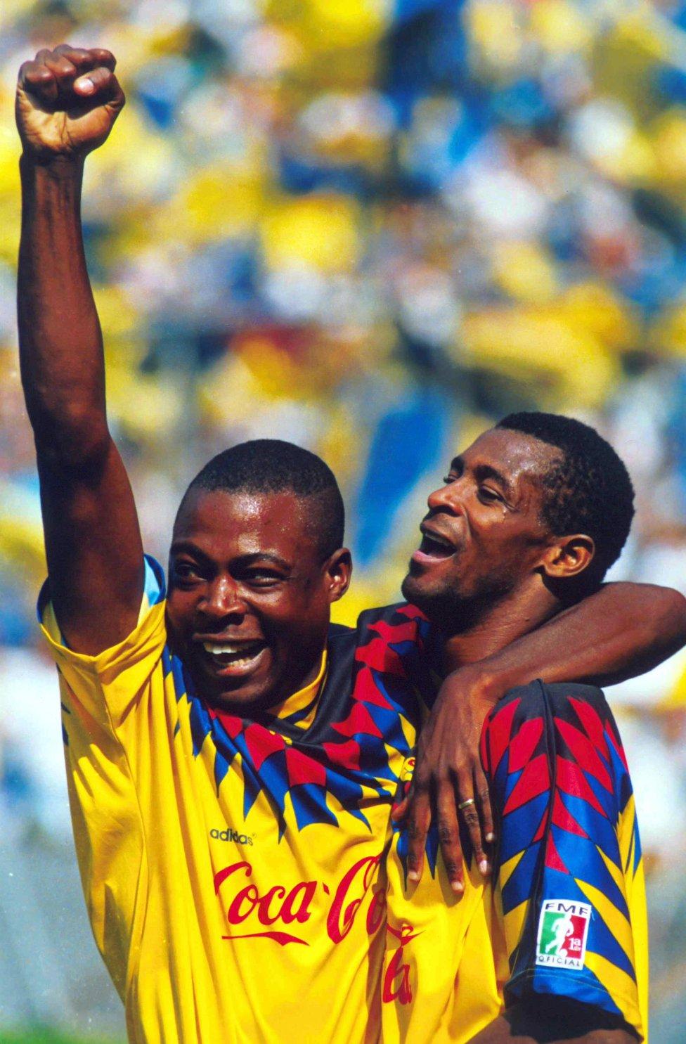 Kalusha Bwalya y François Omam-Biyik