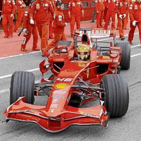 Rossi_asombra_Ferrari_juega_despiste.jpg