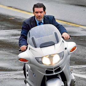 Antonio_Banderas_tendra_escuderia_motos.jpg