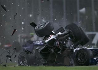 http://www.as.com/recorte/20100328dasdasmot_4/LCO/Ies/Accidente_Kobayashi.jpg
