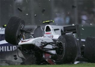 http://www.as.com/recorte/20100328dasdasmot_6/LCO/Ies/Accidente_Kobayashi.jpg
