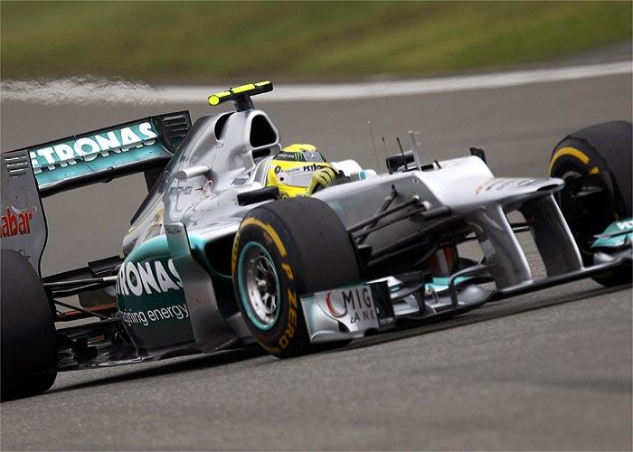 Rosberg gana, Hamilton es líder y Alonso sufre