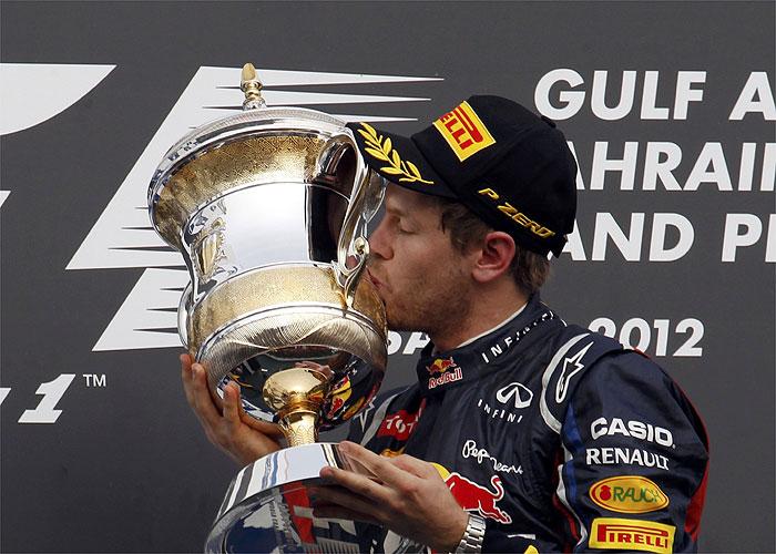 Vettel perfecto, Kimi sorprende, Alonso aguanta