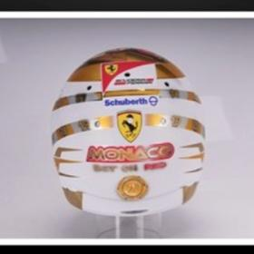 Fernando Alonso presenta su nuevo casco para Mnaco