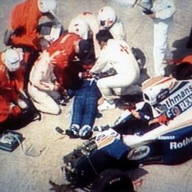 Muere el doctor que atendió a Senna en su accidente mortal