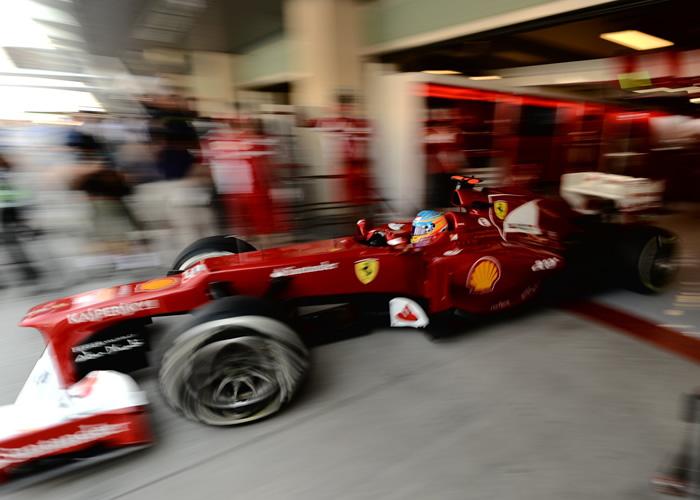 Vettel manda en los libres y Alonso termina séptimo
