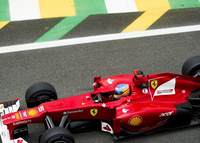 Vettel fue segundo y Alonso, octavo en los últimos libres