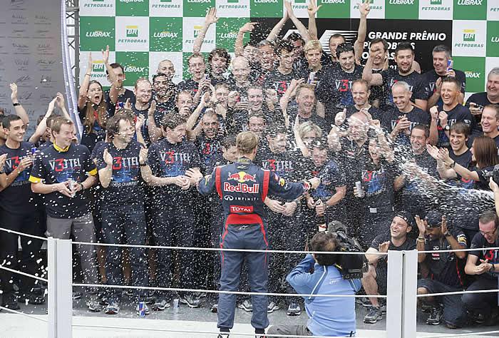 La FIA considera legal la maniobra de Vettel